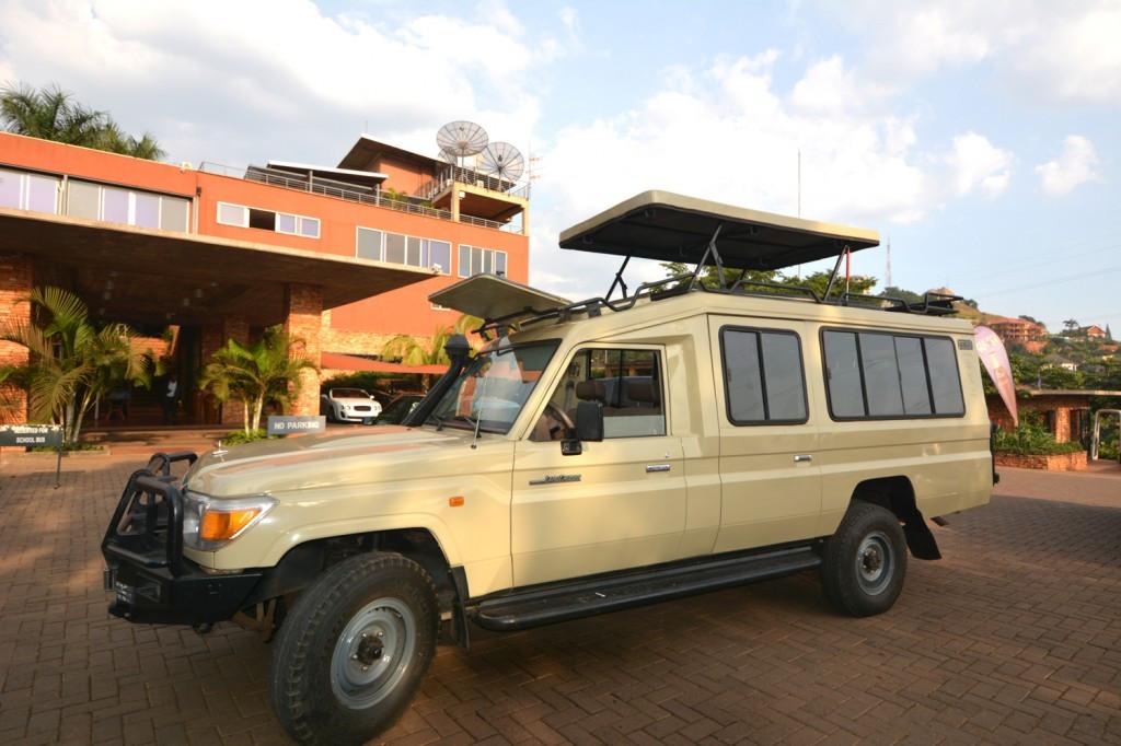land-cruiser-rwanda
